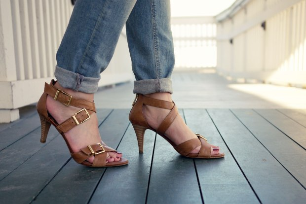 22_05_zara_light_denim_jessica_simpson_sandals_