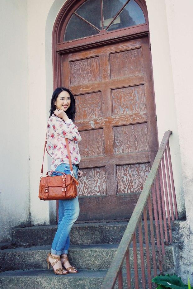 22_07_nordstrom_bp_zara_light_denim_jessica_simpson_sandals_anthropoligie_satchel_floral_top