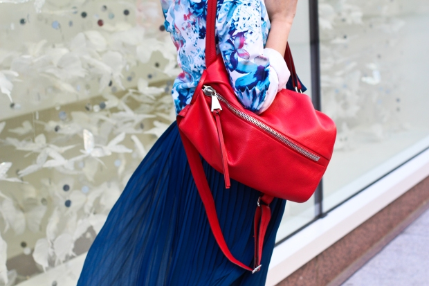 23_04_forever21_blue_maxi_dress_aimee_kestenberg_tamita_backpack_floral_blazer_shoecult