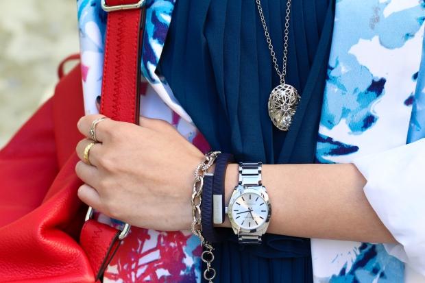 23_06_anneklein_watch_stella_dot_christina_bracelet_up_jawbone