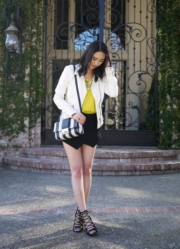 26_02_zara_white_leather_jacket_zara_mini_skort_yellow_colorblock_Isharya_mirror_bib_necklace_asos_black_white_striped_bag