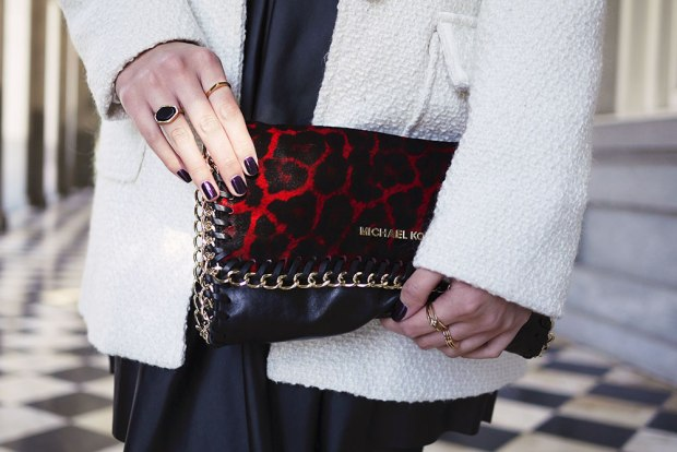 34_03_michael_kors_chain_red_leopard_clutch
