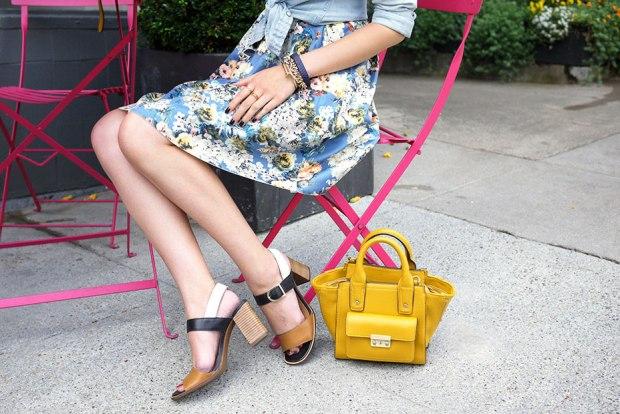 58_02_jyjz_floral_dress_chambray_shirt_nicole_bonny_sandals
