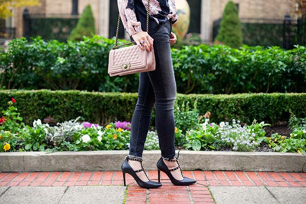 76_05_mother_the_looker_jeans_denim_banana_republic_Adelia_dailylook_quilted_purse
