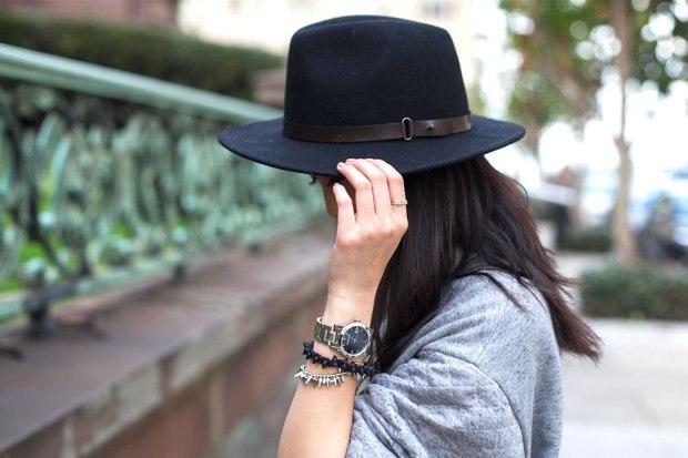 82_05_hm_clubmonaco_hat_wool