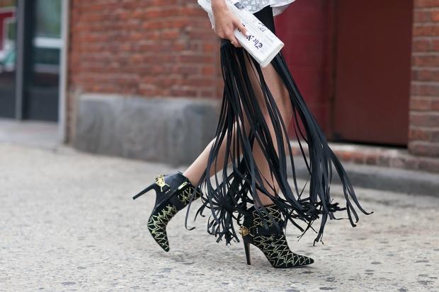 98_03_fringe_skirt_samedelman_mila_boots