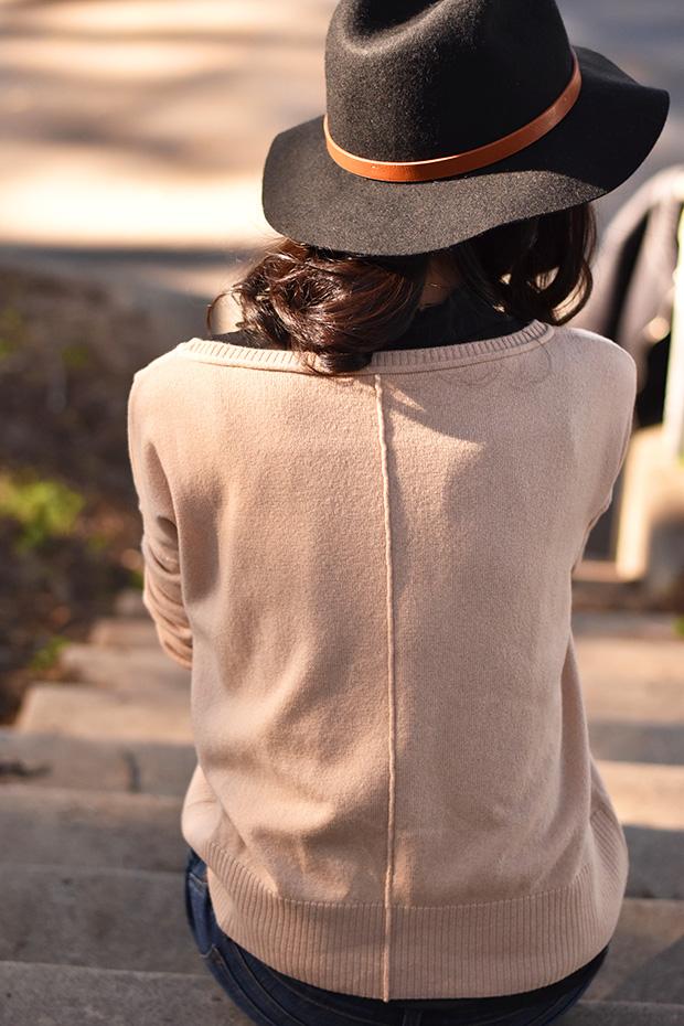 103_05_cuyana_boatneck_sweater_TheodoraCallum_panama_hat_jbrand