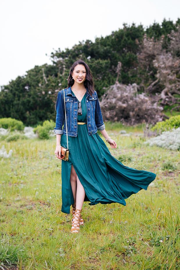 108_01_bananarepublic_goddess_maxi_dress_denim_jacket_dolcevita_lyndon