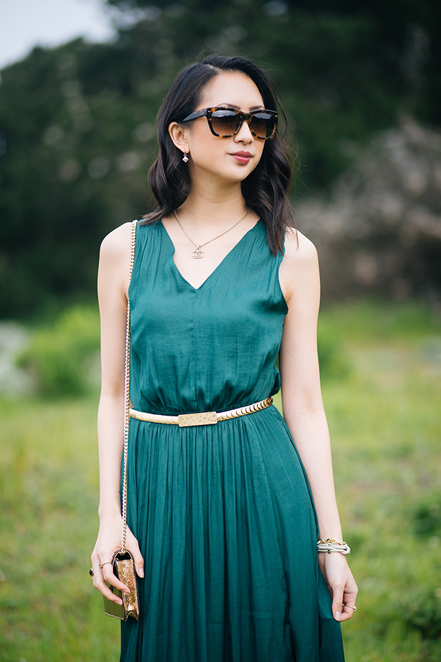 108_04_bananarepublic_goddess_maxi_dress_margaux_sunglasses